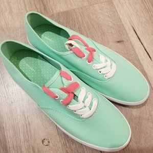 City Sneaks Mint Shoes